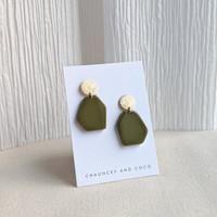 Fraction geometric earrings - green