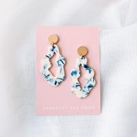 Organic oval mixed acrylic earrings - blue + white