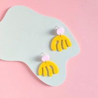 Jelly abstract acrylic earrings / Pink + Yellow