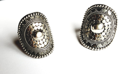 Large Hand Made Intricate Ring in Sterling Silver.
