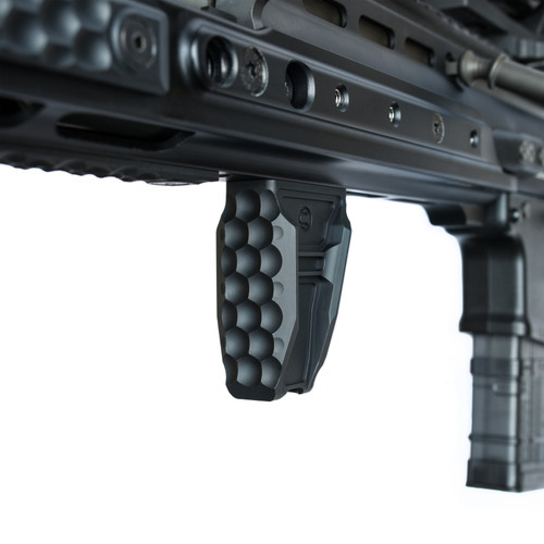 Anchor® AR-15 Foregrip attached to rail system  FN SCAR 17