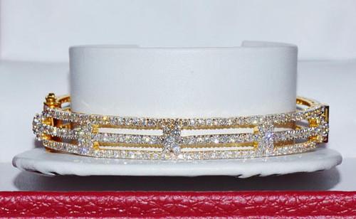 Certified Natural 750 18K Solid Gold 8.80CTS VS F Diamond Bangle Bracelet