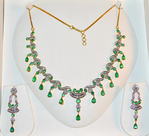 Certified Natural 20.3CTS VS F Diamond Emerald 18K Solid Gold Necklace Earrings Set