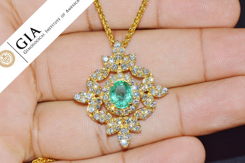 Natural 5.21Cts VS F Diamond Colombian Emerald 18K Solid Gold Pendant