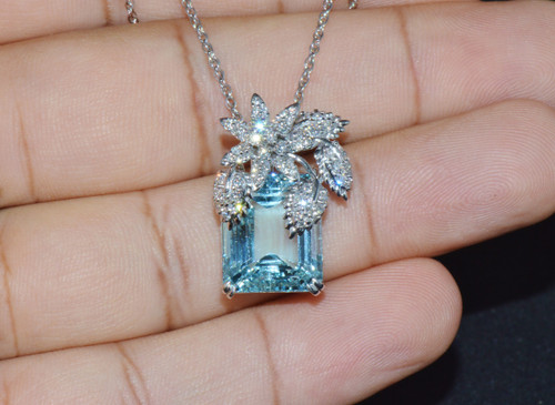 Certified Natural 17.65Cts VS F Diamond Aquamarine 18K Solid Gold Pendant Necklace