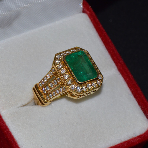 Certified Natural 4.28CTS VS F Diamond Emerald 18K Solid Gold Ring