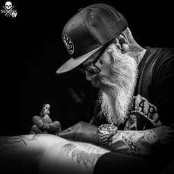 tattoo-artist-tattoo ink