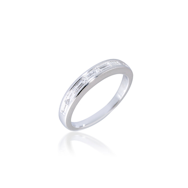 Channel-set Horizontal Baguette Diamond Band