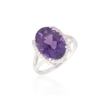 Oval-Shaped Amethyst  Ring with Halo