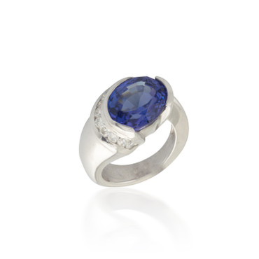 Oval Tanzanite Ring with Wrapping Diamonds