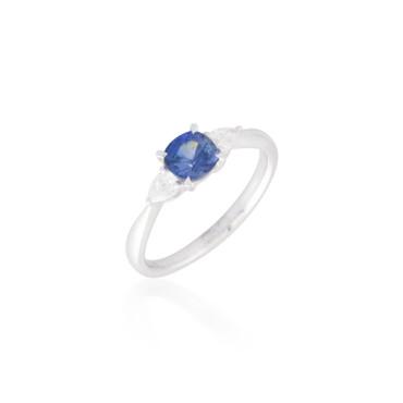 Three Stone Sapphire and Diamond Ring 4