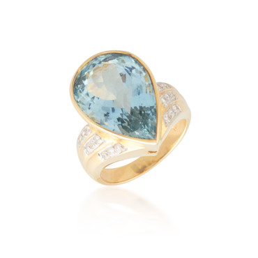 Huge Pear-shaped Aquamarine Ring