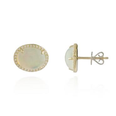 Oval Pearl Earring