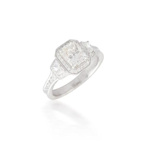 Stunning Radiant Diamond Engagement Ring