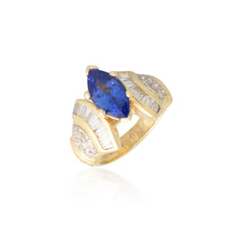 Tanzanite and Diamond Ring 3