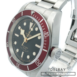 Tudor Heritage Black Bay Red 3