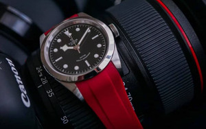 Fitted Luxury Rubber Strap- Red
