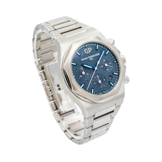 Girard-Perregaux Laureato Chronograph 42mm *Blue Dial* *Box and Papers*