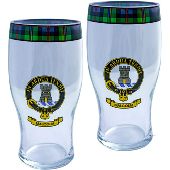 Malcolm Clan Traditional Scottish Pint Beer Glasses Pair Tartan Band and Crest
