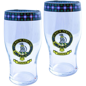 Hunter Clan Traditional Scottish Pint Beer Glasses Pair Tartan Band and Crest
