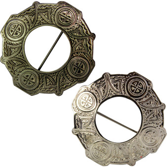 Classic Pewter Plaid Brooch Celtic Knot Design