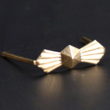 13mm. Gold Bowtie Clip