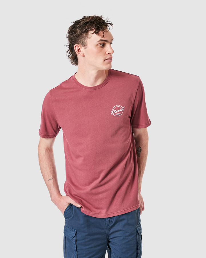Elwood Catch Tee Wine