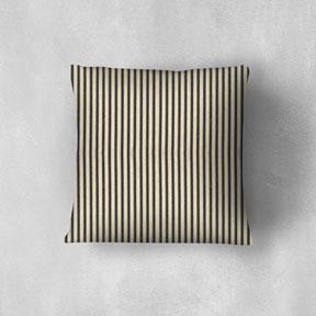 fc-black-pillow-mockup-288.jpg