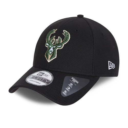 New Era Diamond Era 9Forty Cap ~ Milwaukee Bucks black