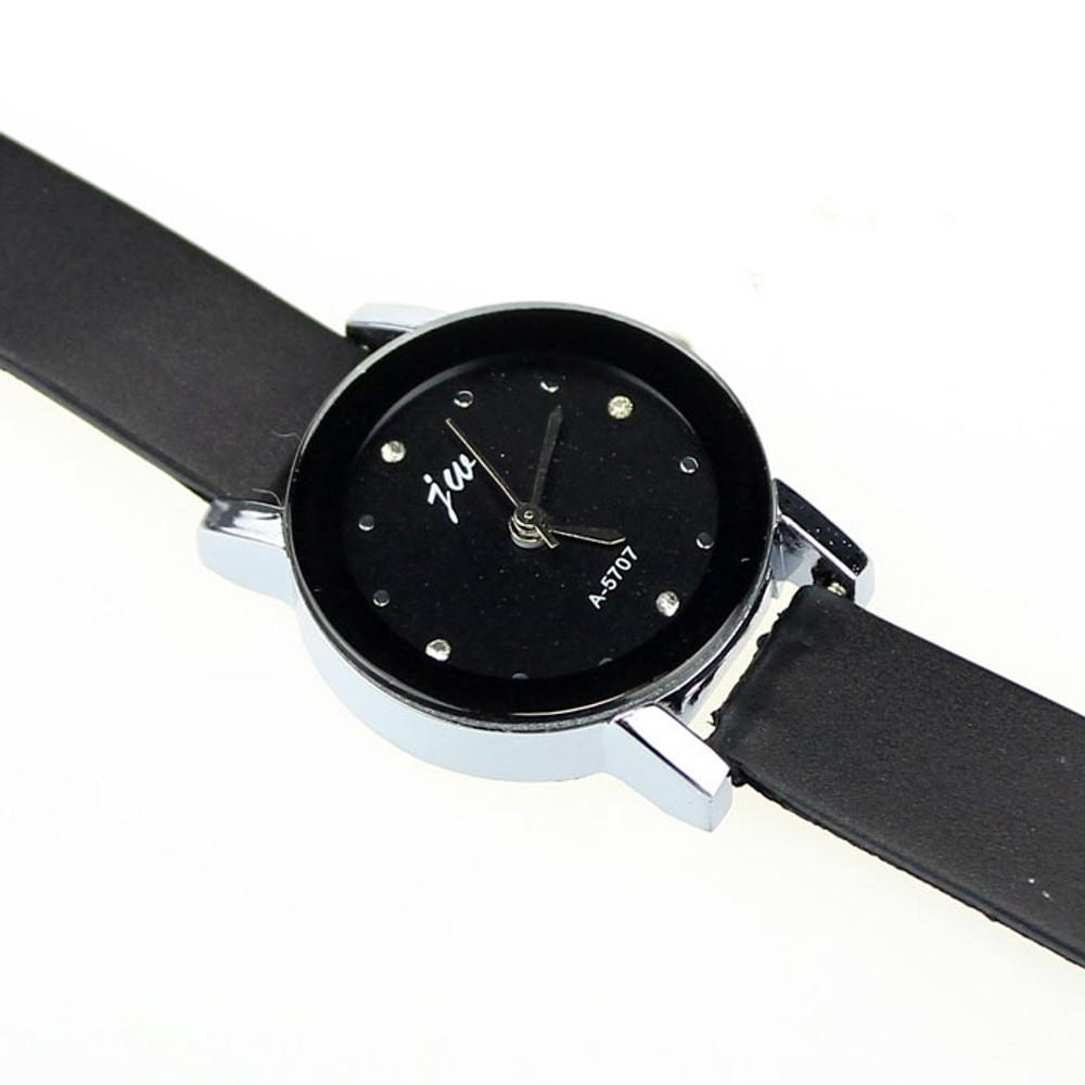 Fashion Ladies Leather High-Quality Dial Quartz Watch Black