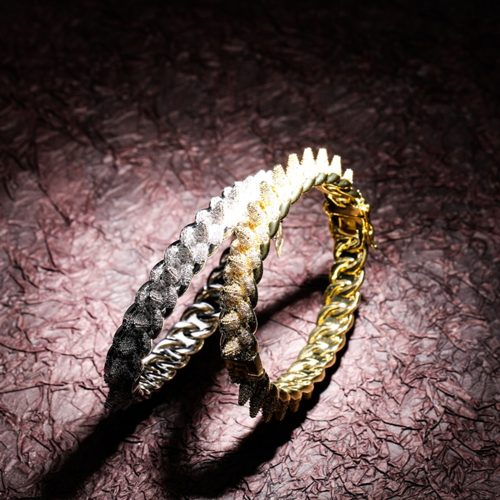 New Spikes Rivet Luxury Street Rock AAA Micro Pave Bling Flooded Ice Cuban Link Style Bracelet