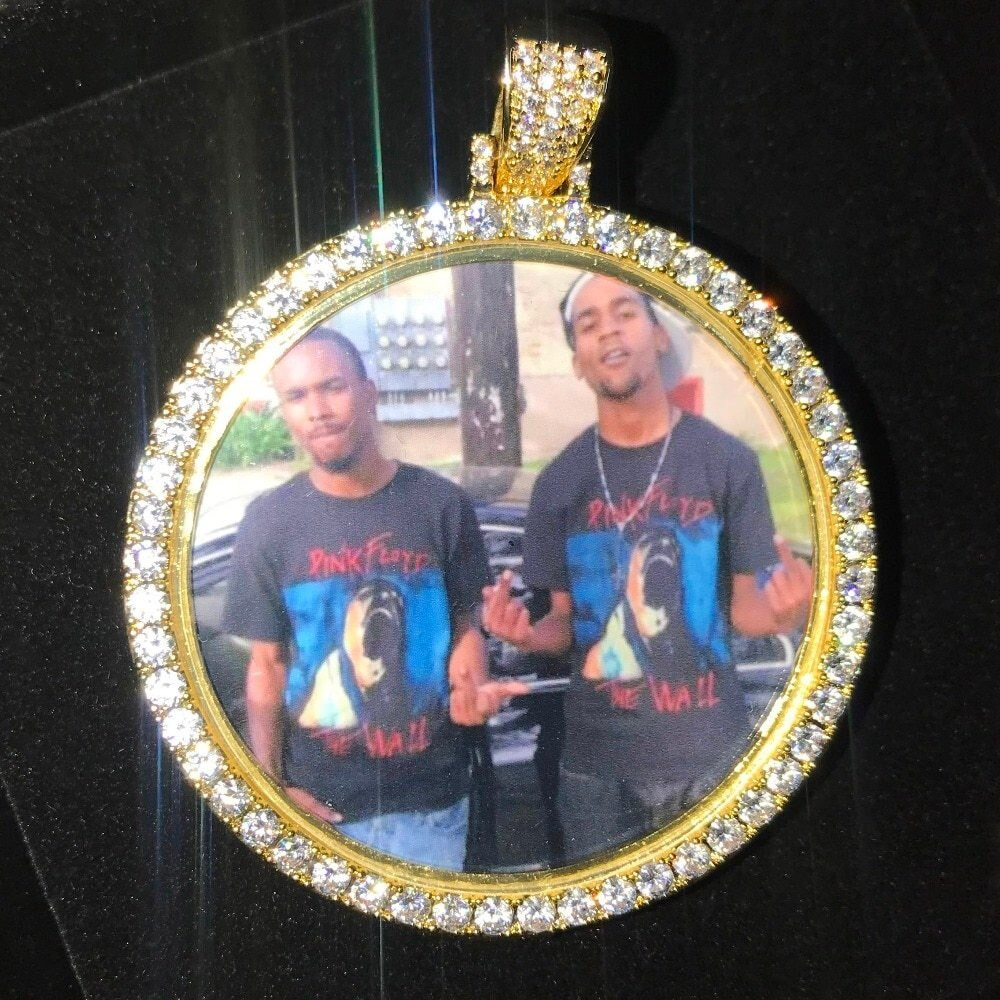 Turn The Picture Into A Pendant A La Hip Hop Style!