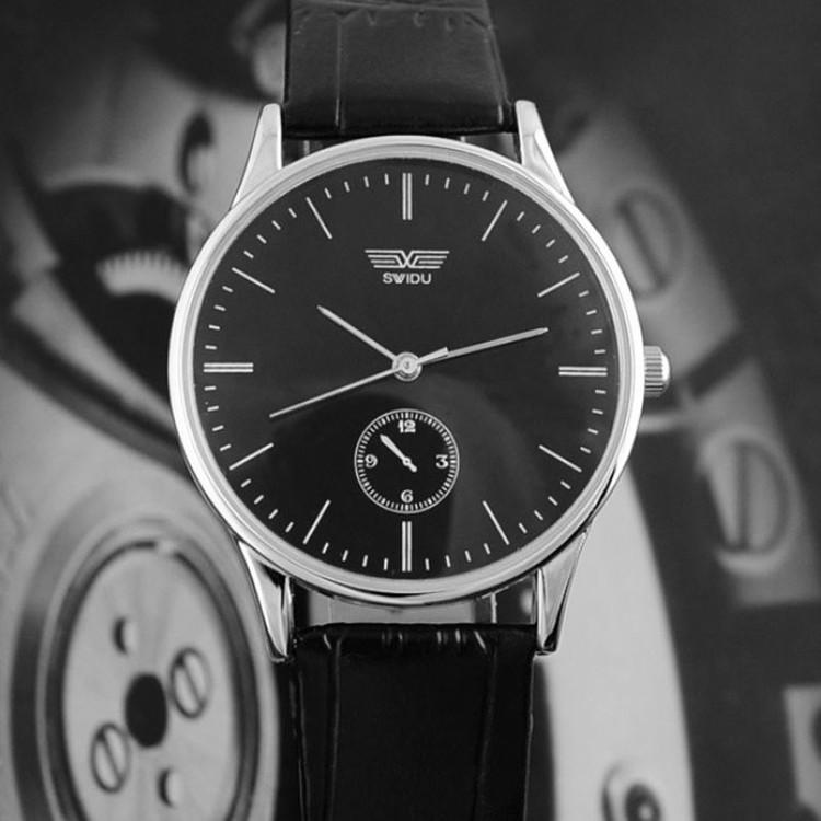 Mens Classic Quartz Analog Leather Strip Wrist Watch