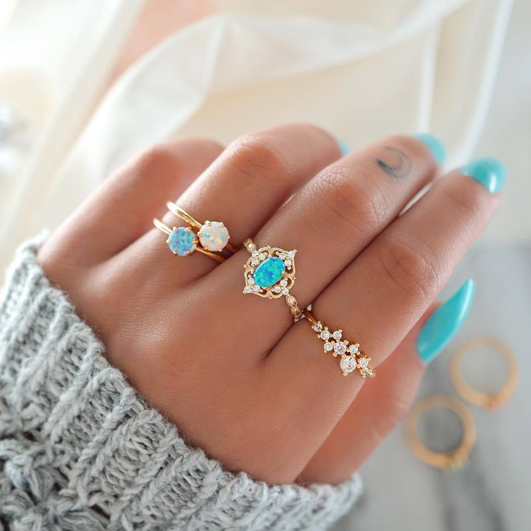 Women's 4 Piece Simple Crystal Leaves Golden Finger Ring Set