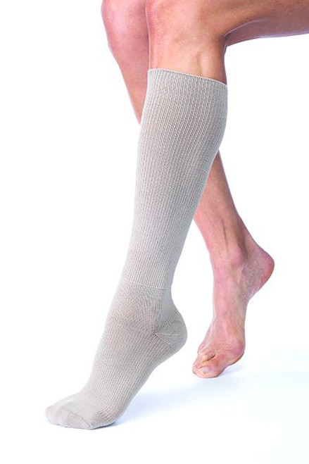 The Jobst FarrowHybrid ADI Foot Compression is a great alternative to using a traditional foot piece. Providing 20-30 mmHg compression on the foot and ankle, it is suitable for mild to moderate edema and the area above the ankle functions as a non-compressive liner.