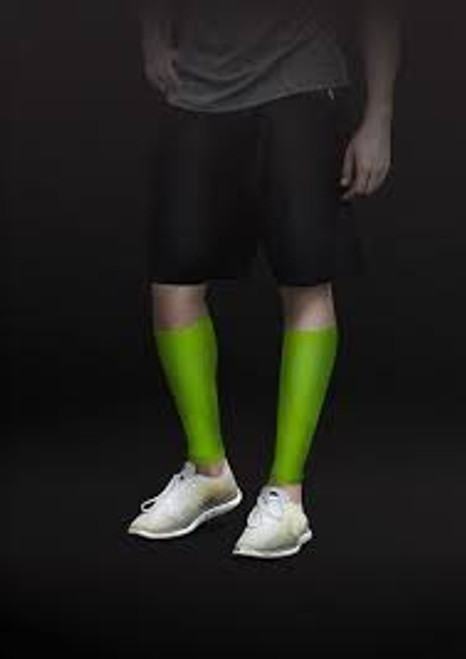 TheraSport by Therafirm Athletic Compression Leg Sleeves deliver a controlled amount of pressure which is greatest at the ankle and gradually decreases as it comes up the leg. This true gradient compression helps improve circulation which in turn can help provide reduction in muscle fatigue, enhanced performance and faster recovery.