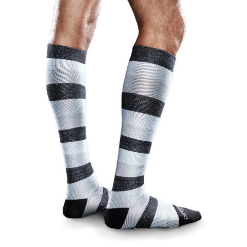 Core-Spun by Therafirm Mild Support Socks are designed to help prevent edema, leg discomfort and deep vein thrombosis for long distance travelers and to help promote better blood flow, prevent mild swelling, and relieve tired, achy legs and feet. Plus, the soft, ultra stretchy fibers ensure these compression socks are easier to put on and more comfortable to wear.