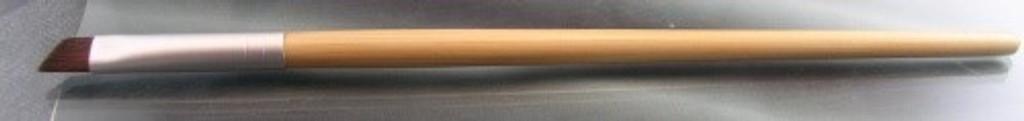 Vegan Bamboo Handled Angled Eyeliner Brush