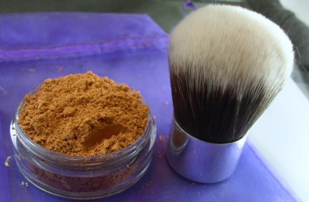 Vegan 20 Gram Sifter Lid Jar of Mineral Foundation and vegan Synthetic Kabuki Brush