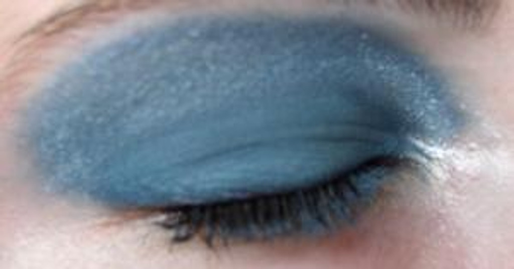 Pressed Vegan Mineral Eyeshadow - Blue Ice Storm