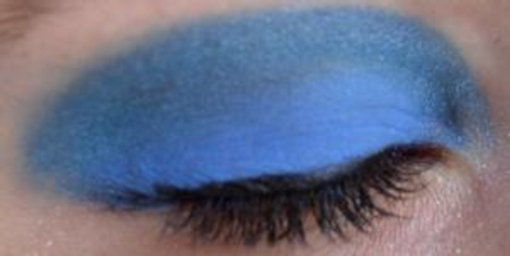 Pressed Vegan Mineral Eyeshadow - Iridescent Blue
