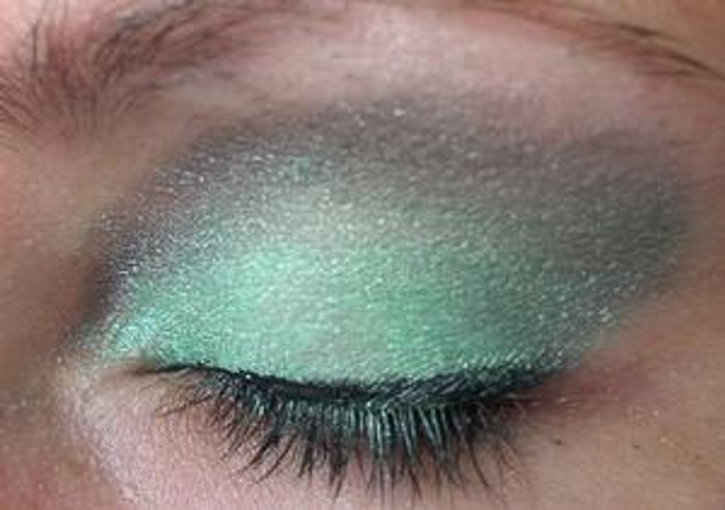 Pressed Vegan Mineral Eyeshadow - Peacock Green