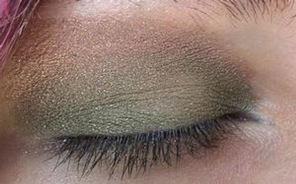 Pressed Vegan Mineral Eyeshadow - Plum Honey