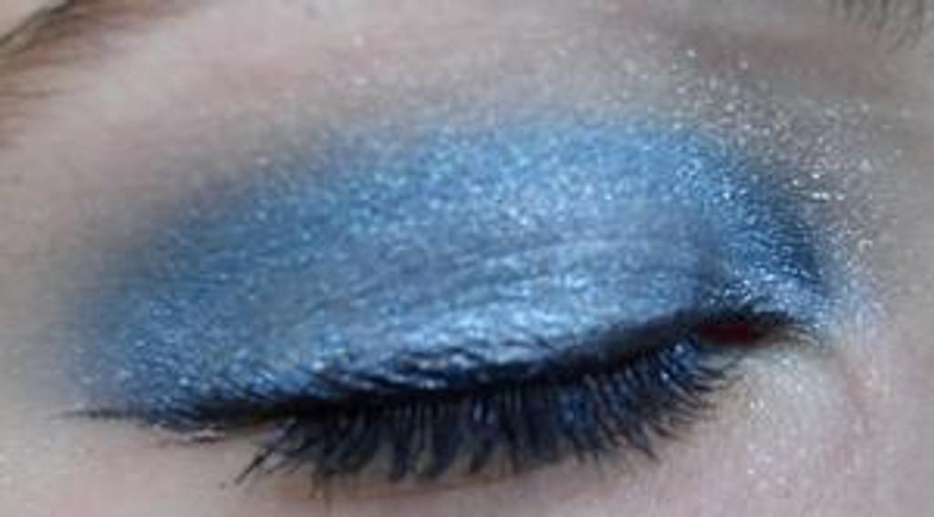 Pressed Vegan Mineral Eyeshadow - Snow Flake Blue