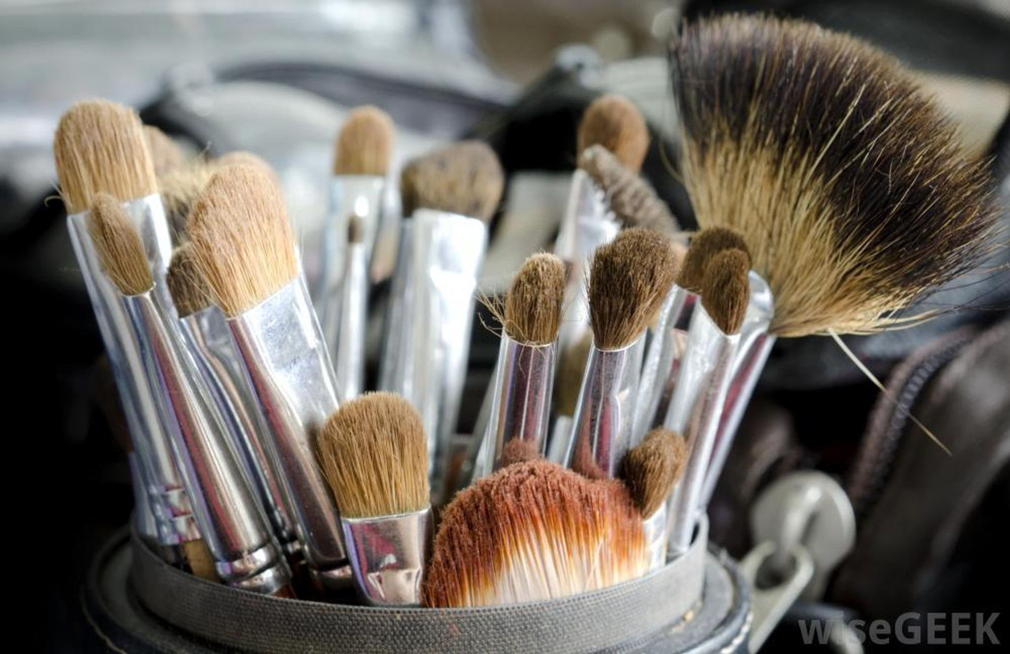 - Brushes, Applicators and Empty Jars