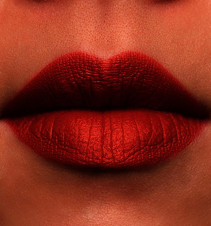 Vegan Lipstick in Sunrise Peach