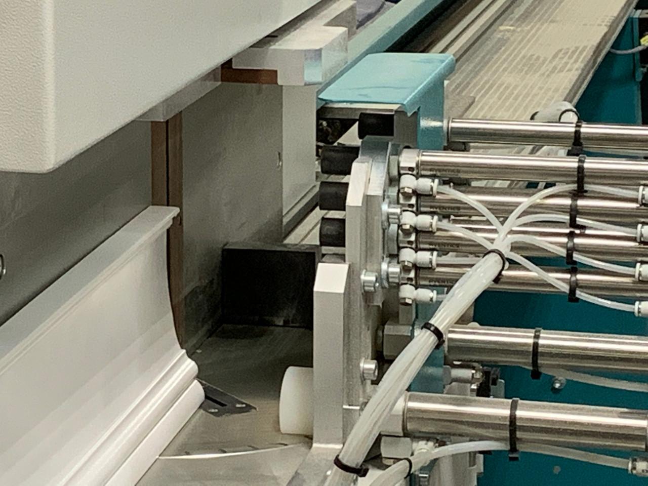 Hoffmann ACS-1 material clamp array