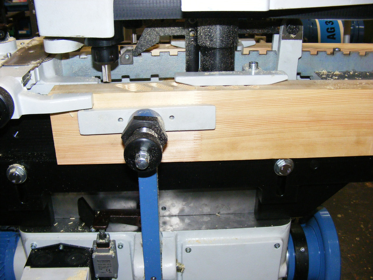 Hoffmann JFA 57 Louver Grooving Machine, router bit close-up.jpg