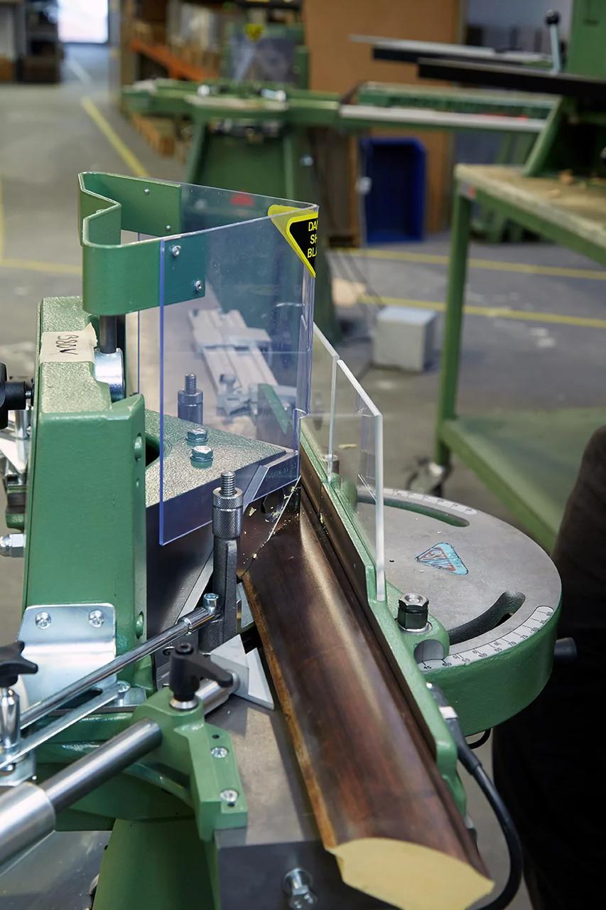 Close-up 1 - MORSO F plus Ten manual miter cutting machine (N20025)