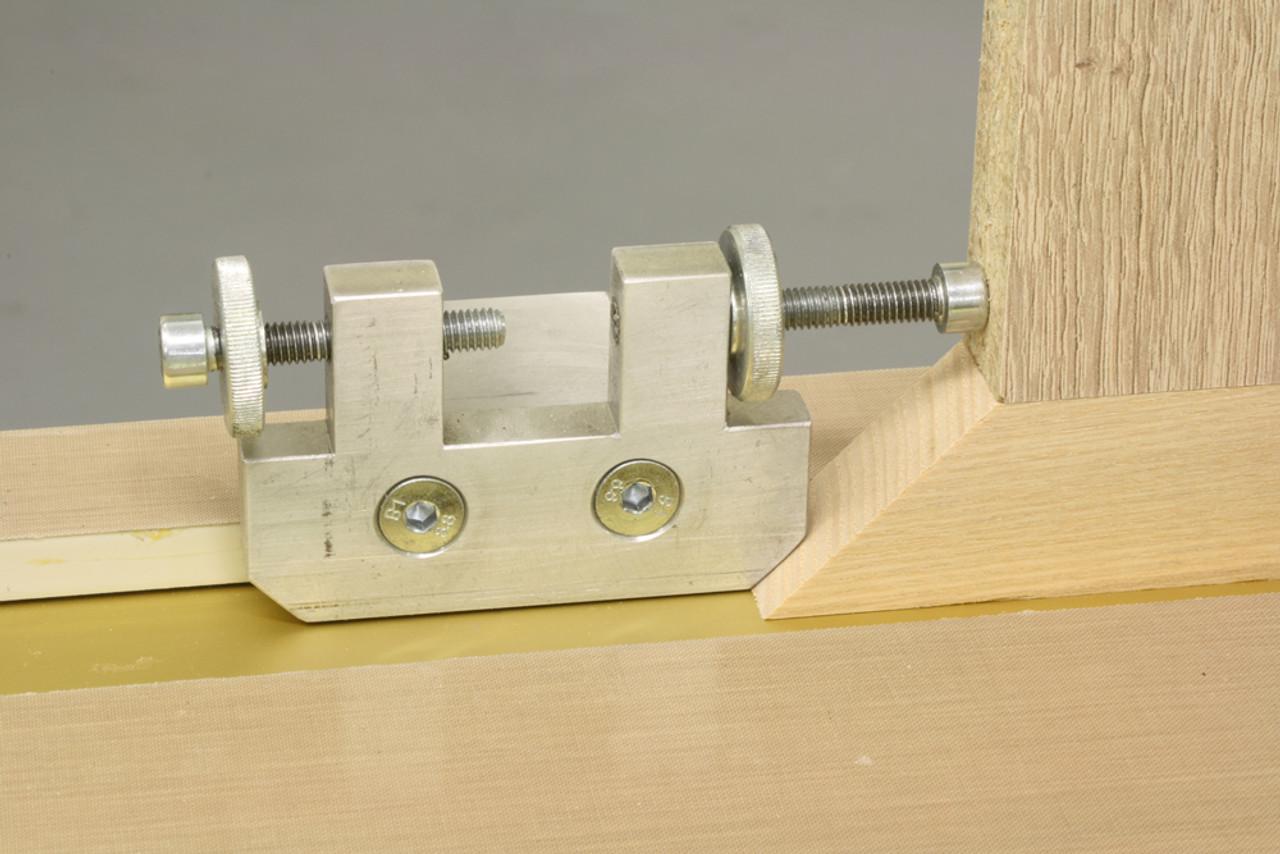 BE2500100-Hoffmann-MOBIL2500-Press-miter-stop-detail-view